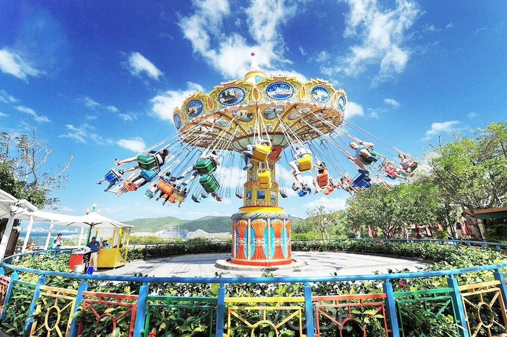 """珍珠岛游乐园位于竹岛的一座度假村里,这个度假村的英文全称是""""the"""