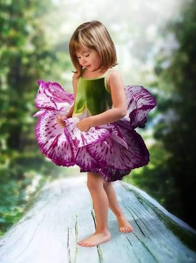 小萝莉脱裙子本子 小女孩脱裙子包括短裤 金子美穗脱裙子视频
