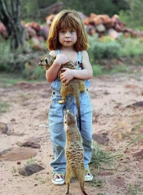 那个与鸵鸟赛跑的小姑娘终于长大了 - 山高月远 - 山高月远的博客