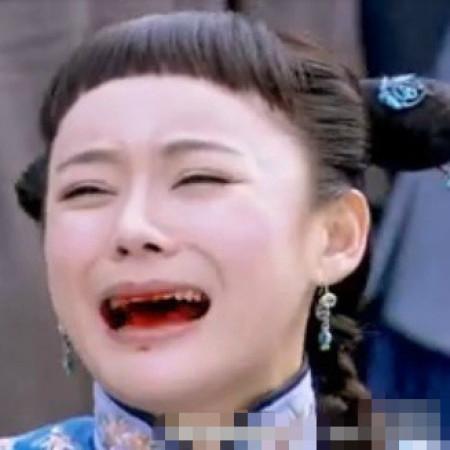 袁姗姗节目现场卸妆 素颜秒变杨幂孙俪合体