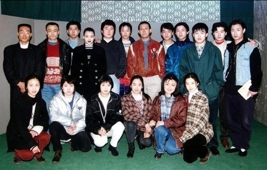 --一排左二(真纯呐!)   刘孜--一排左一   北影94级   蒋勤勤美女--一排图片