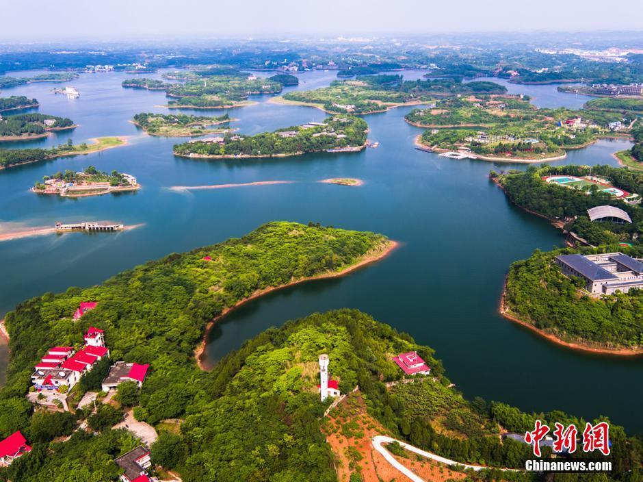 空中俯瞰秀美的成都龙泉湖,成都龙泉湖风景区 - 常德